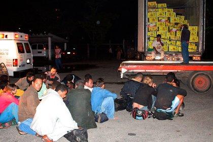 En ocasiones los indocumentados son transportados en condiciones infrahumanas (Foto: Marco Polo Guzman/Cuartoscuro)