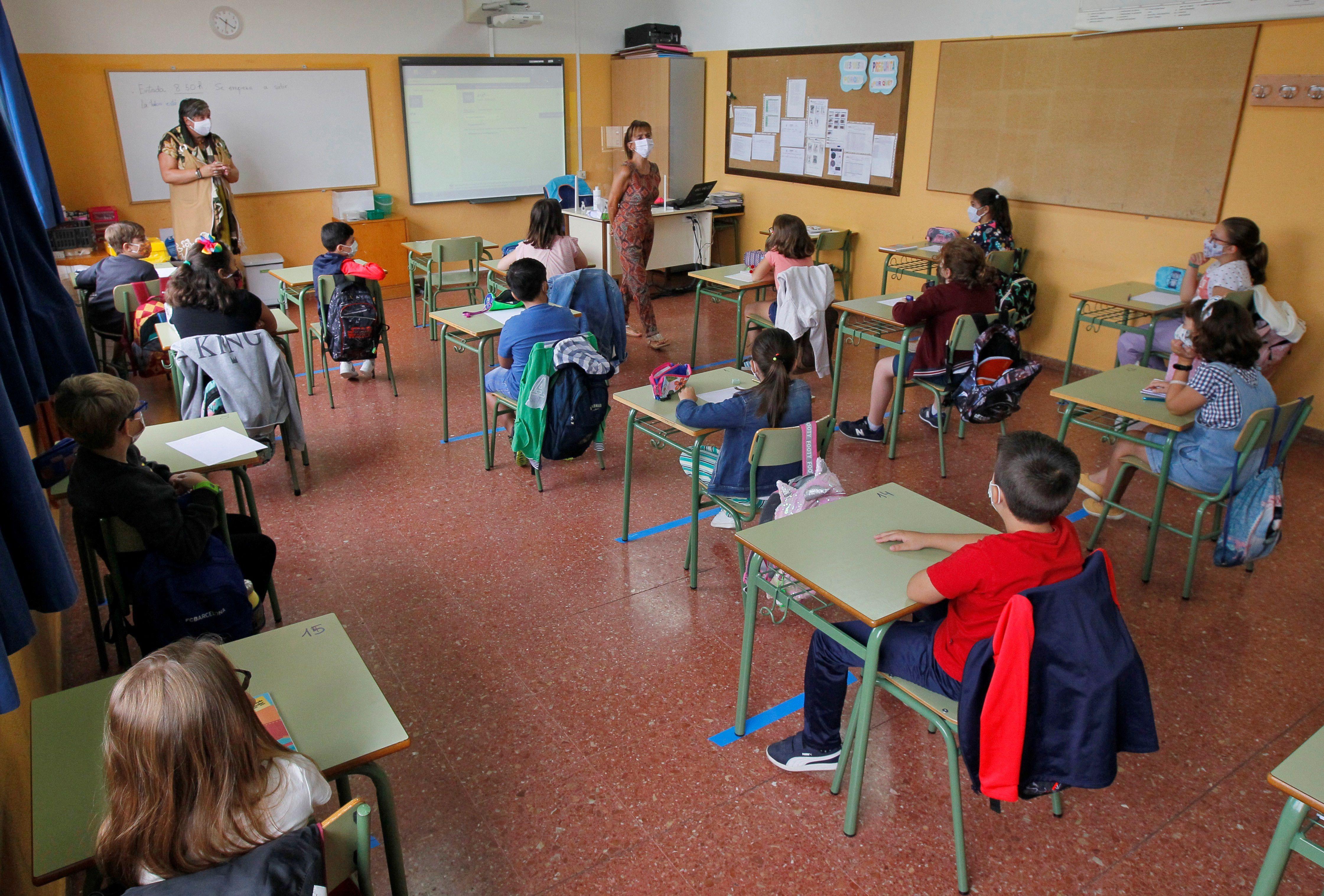 Los médicos constataron que la apertura de escuelas no supuso un riesgo mayor o más infecciones EFE/ Alberto Morante/Archivo
