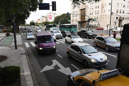 Infobae realizó una cobertura fotográfica este 6 de abril sobre el tránsito en las calles y avenidas.