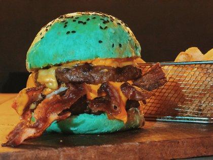 La hamburguesa Increíble Hulk es la protagonista de Bruce Grill Station para celebrar Halloween
