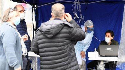 Trabajadores del ministerio de Salud porteño visitarán 84 casas en Balvanera para detectar nuevos casos de coronavirus