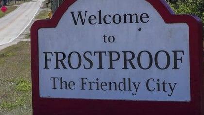Frostproof, una pequeña localidad rural en el centro de la península de la Florida, está a unos 100 kilómetros al sur de Orlando.