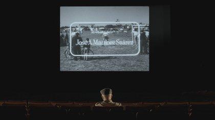 """Martínez Suárez mira """"El crack"""" en una sala de cine"""