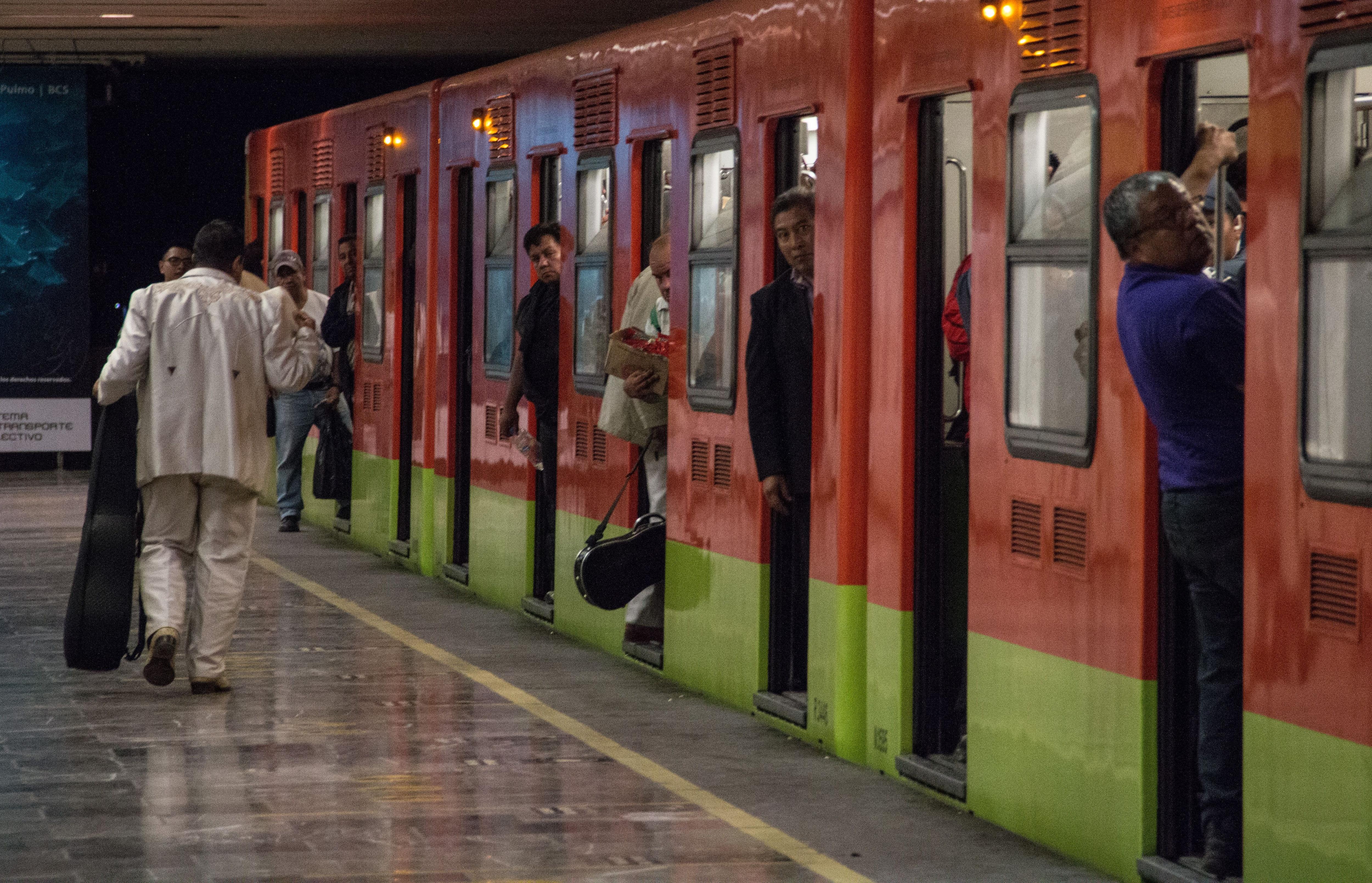 La Línea 1 del Metro entró en operaciones en 1969. (Foto: Cuartoscuro)