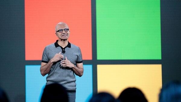"""Satya Nadella, el director ejecutivo del gigante tecnológico, dijo que """"Microsoft es una compañía que pone a los desarrolladores primero"""""""