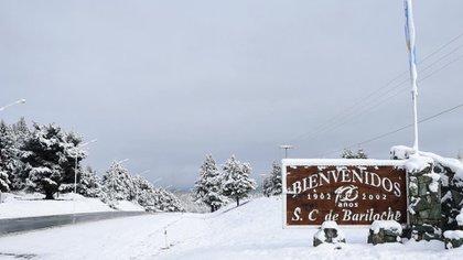 Bariloche, cubierta por la nieve (Twitter: @bariloche)