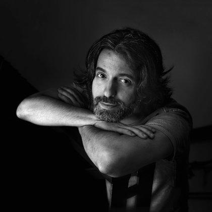 """""""No hay nada más sospechoso y falsamente individual que nuestro cuerpo"""", dijo (Rodrigo Valero)"""