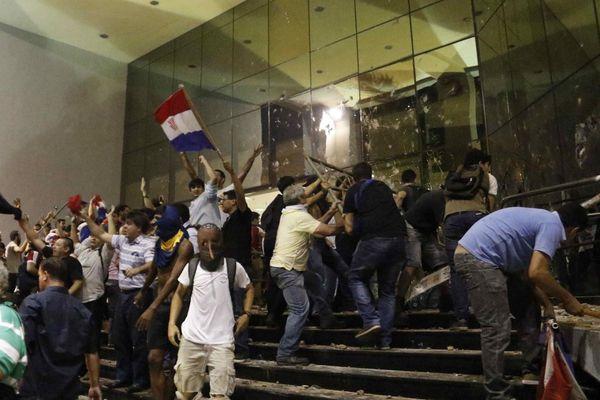 Paraguay: el diálogo sobre la reelección continuará este viernes sin la oposición