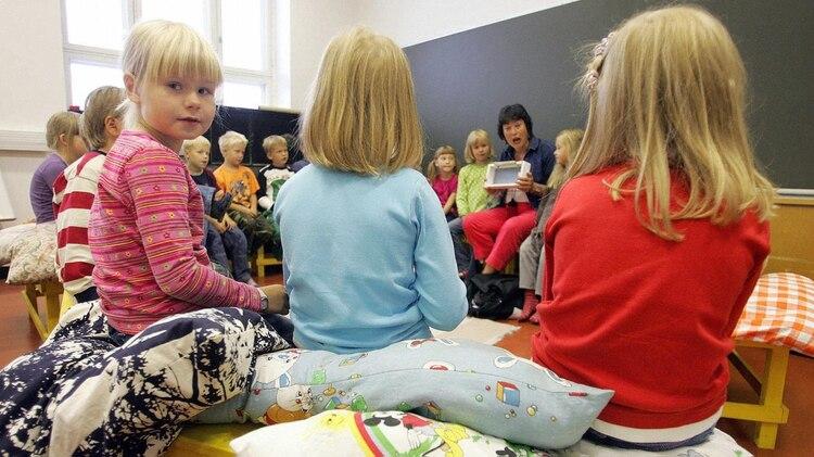 Todas las escuelas finlandesas son gratuitas e innovadoras. Su sistema educativo es ejemplo global. (Getty)