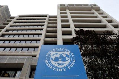 El FMI y el Banco Mundial comenzaron con medidas de desembolso rápido para los países más afectados por la crisis, comenzando por los más pobres