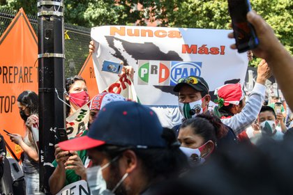 Manifestantes se presentaron en apoyo a López Obrador (Foto: NICHOLAS KAMM / AFP)