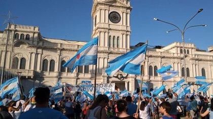 En varias ciudades de todo el país hubo marchas en defensa de las dos vidas