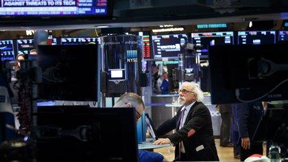 Las Bolsas europeas corrigen al ritmo de Wall Street