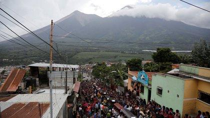 Centenares de personas debieron abandonar sus hogares (Reuters)
