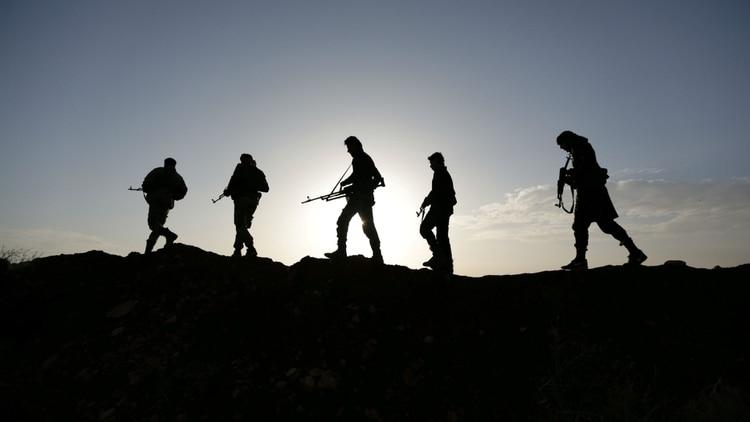 Combatientes del Ejército Libre Sirio, apoyado por Turquía, en al-Bab (REUTERS/Khalil Ashawi)