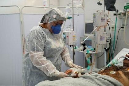 El sector sanitario se mantiene al borde del colapso en gran parte del país (REUTERS/Amanda Perobelli)