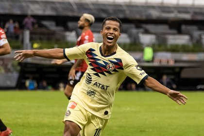 Dos Santos debutó a principios del semestre con una anotación en el equipo de sus amores (Foto: Cuartocuro)