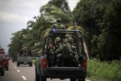 La Sedena indicó que los militares respondieron a un ataque que recibieron de presuntos integrantes del crimen organizado (Foto: Reuters/ José Cabezas)