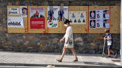 Publicidad electoral en una calle de Ordizia, en el País Vasco. (REUTERS/Vincent West)
