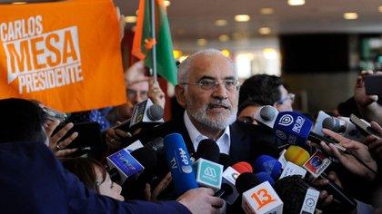 Carlos Mesa dijo que no reconocerá el resultados anunciado en la noche del lunes por el TSE (AFP)