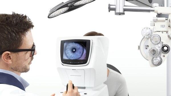 Las recomendaciones apuntan a realizar un control oftalmológico anual (Getty)