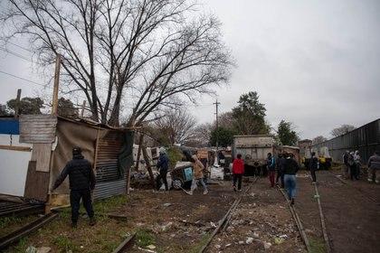 Los talleres en la estación Victoria del ferrocarril Mitre, que no funciona hace seis días (Foto: Franco Fafasuli)