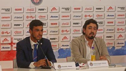 Amaury Vergara Presidente del Club Chivas de Guadalajara, durante la presentación de Oswaldo Alanís como refuerzo del rebaño, en el Estadio Akron. FOTO FERNANDO CARRANZA GARCÍA / Cuartoscuro