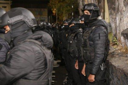 Más de 150 agentes de la SSC entraron esta madrugada a revisar las celdas (Foto: @c4jimenez)