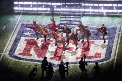 Espectáculo del medio tiempo del Super Bowl LII (Foto: AFP)