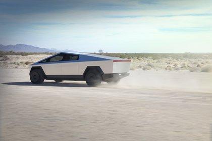 En su versión de tres motores se prevé una capacidad de remolque de casi seis toneladas, superior a una Ford F150 (Tesla)