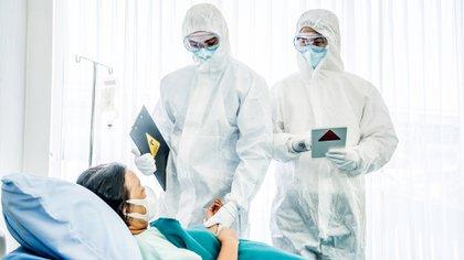 La Organización Mundial de la Salud advirtió que las vacunas no son una solución mágica para la crisis de covid-19 (Shutterstock)