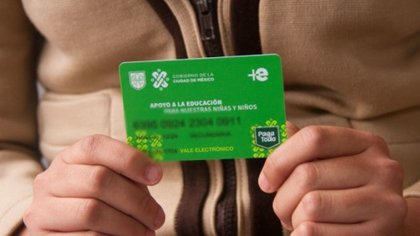 Anteriormente se entregaba la tarjeta verde. (Foto: Cuartoscuro)
