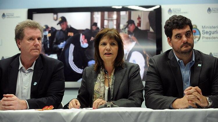 Gerardo Milman, Eugenio Burzaco y la ministra de Seguridad de la Nación, Patricia Bullrich (foto de archivo)