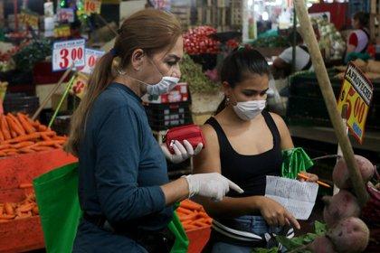 El gobernador también anunció un plan para apoyar económicamente a la población en Querétaro. (Foto: Graciela López/Cuartoscuro)