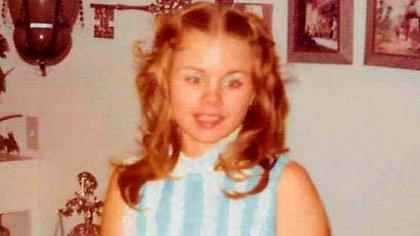 Carla Walker desapareció el 17 de febrero de 1974 del aparcamiento de un local de bowling en Forth Worth (Familia Walker)