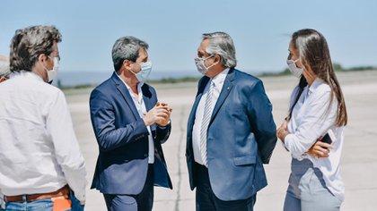 Alberto Fernández fue recibido por el gobernador Sergio Uñac en San Juan (@sergiounac)