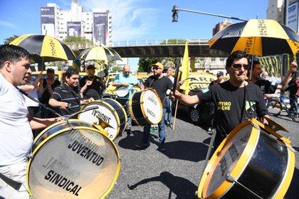 La protesta se extenderá hasta las 12, en 8 puntos de la Capital Federal (foto: Maximiliano Luna)