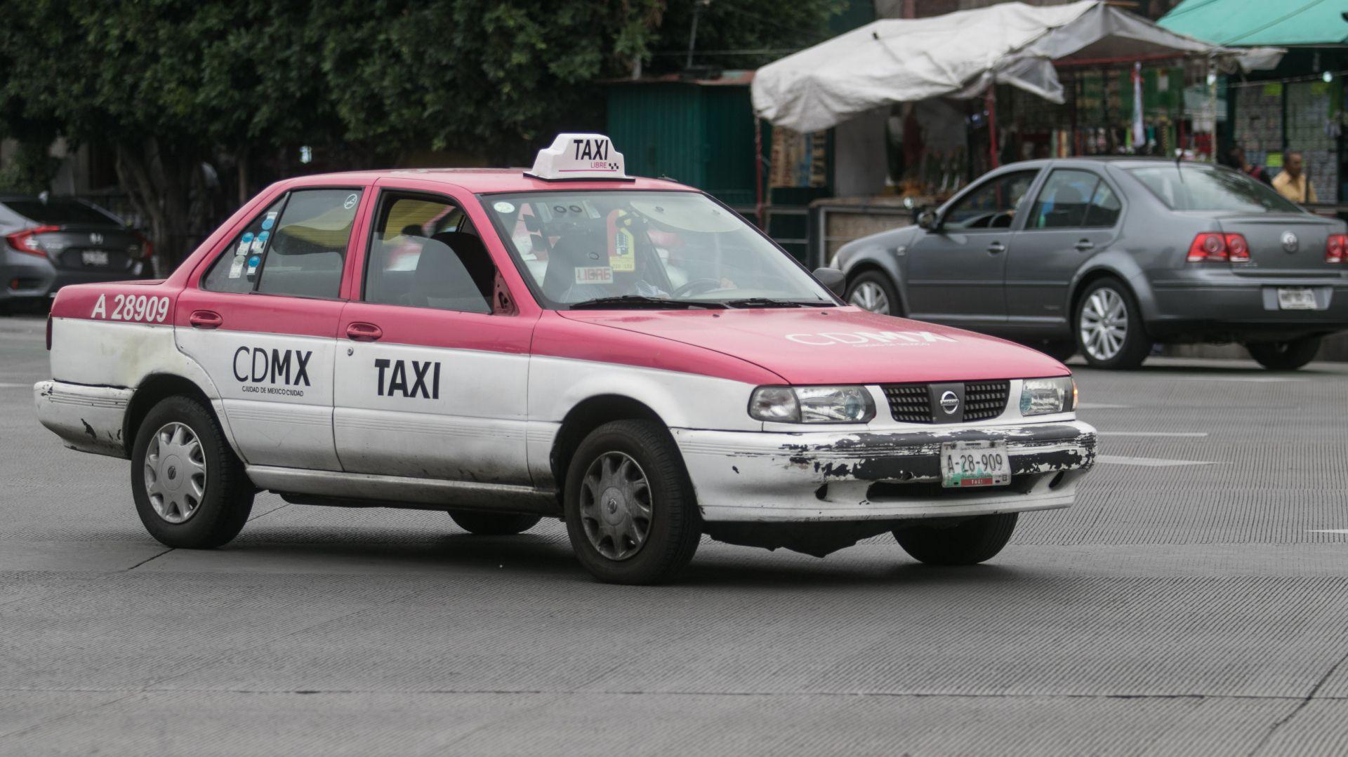 Conductores y vehículos que operan como taxis han sido involucrados en los últimos meses en delitos de secuestro (Foto: Isaac Esquivel /Cuartoscuro)