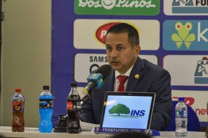 Rodolfo Villalobos, presidente de la Federación de Costa Rica, ya había adelantado los problemas con el Ministerio de Salud (Foto: EFE)