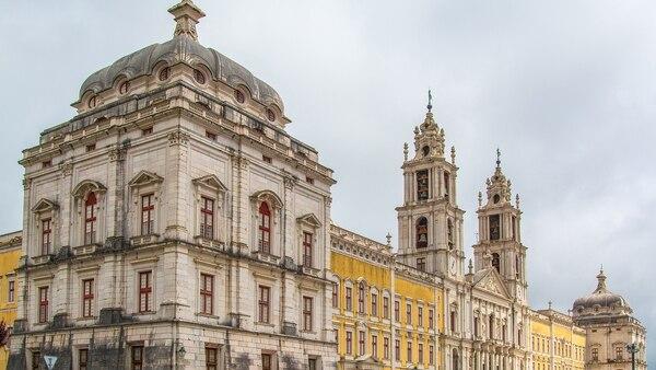 El palacio es una extravagante mezcla de complejo palacio y monasterio con más de 1.200 habitaciones (Getty Images)