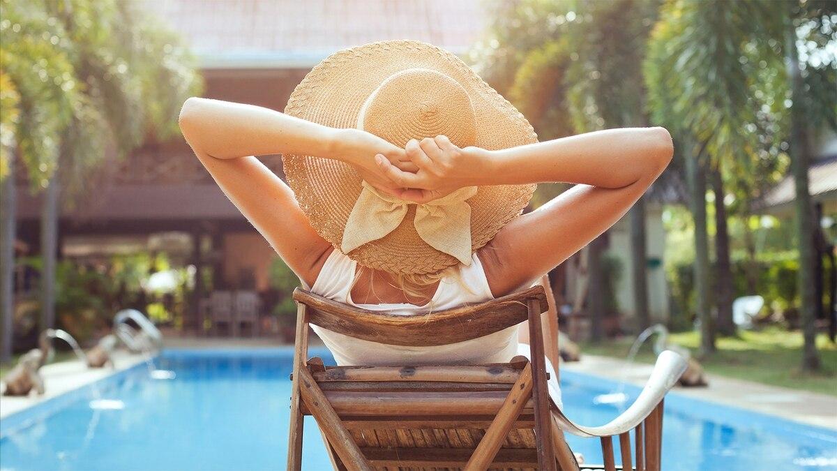 73d6f28474e4c Furor por los sombreros  las tendencias para el verano del accesorio más  glamoroso de la temporada - Infobae