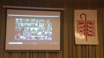 Un aspecto del Zoom en la reunión virtual de los obispos argentinos (CEA)