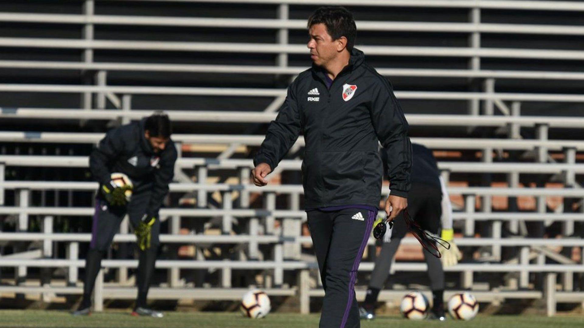 Gallardo prefiere mantener a los jugadores alejados del ruido antes de los partidos importantes (@RiverPlate)