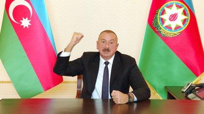 Ilham Aliyev, presidente de Azerbaiyán, pidió la retirada de las tropas de Armenia para poner fin a las hostilidades (sitio web oficial del presidente de Azerbaiyán / documento a través de REUTERS)