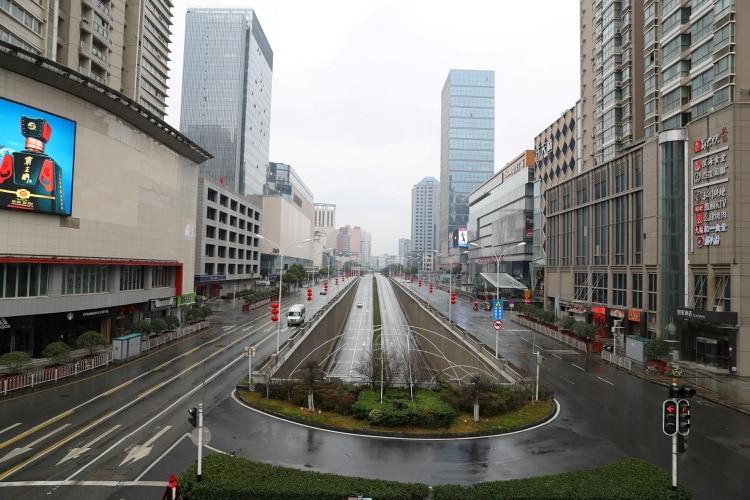 Las calles vacías de Wuhan durante la extensa cuarentena en la ciudad donde brotó el coronavirus (Reuters)