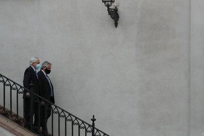 El momento en que ambos mandatarios llegan al Patio de los Naranjos, Palacio de La Moneda. Santiago, Chile January 26, 2021. REUTERS/Ivan Alvarado