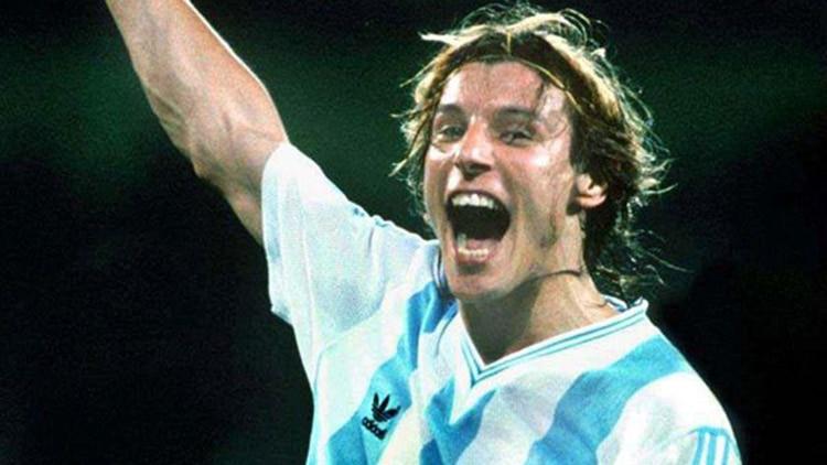Caniggia, con la camiseta con la que quedó identificado: la de Argentina