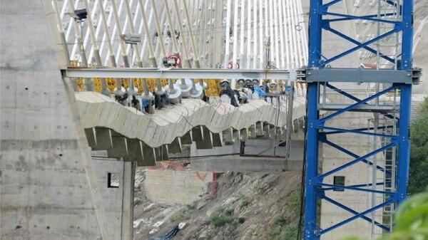 Así se ve el viaducto de Hisgaura en este momento.