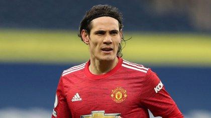 Cavani tiene la opción de seguir una temporada más en el Manchester United (Reuters)