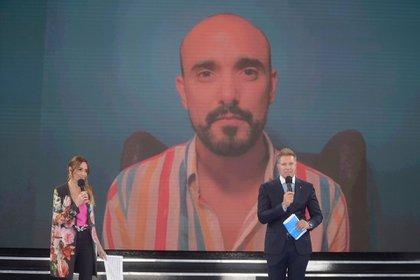 """Abel Pintos interpretó el tema """"Motivos"""" en el especial """"Unidos por Argentina"""" (Prensa: Telefe)"""